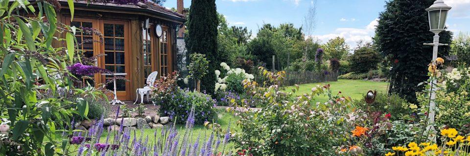 Wir machen aus ihrem Gartentraum einen Traumgarten.