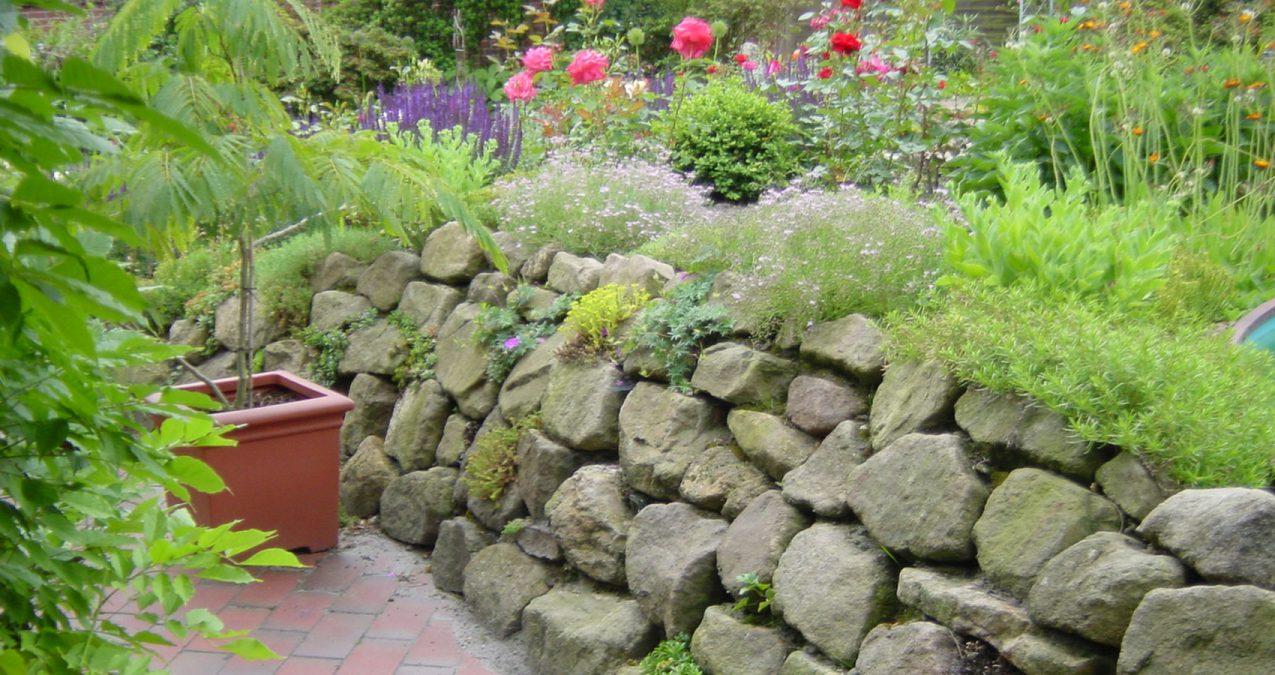 Pflaster-Mauer-Garten