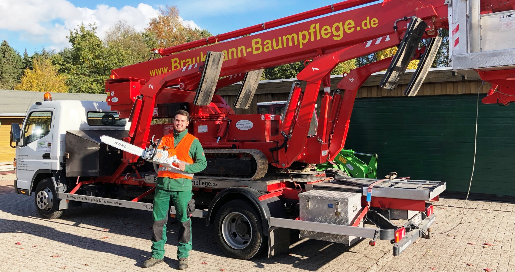 Braukmann- Baumpflege motiviert seine Mitarbeiter mit Tollen Arbeitsgeräten.