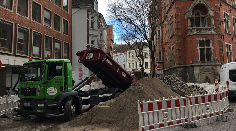 Braukmann Maschinen im Einsatz LKW-beim-Rathaus